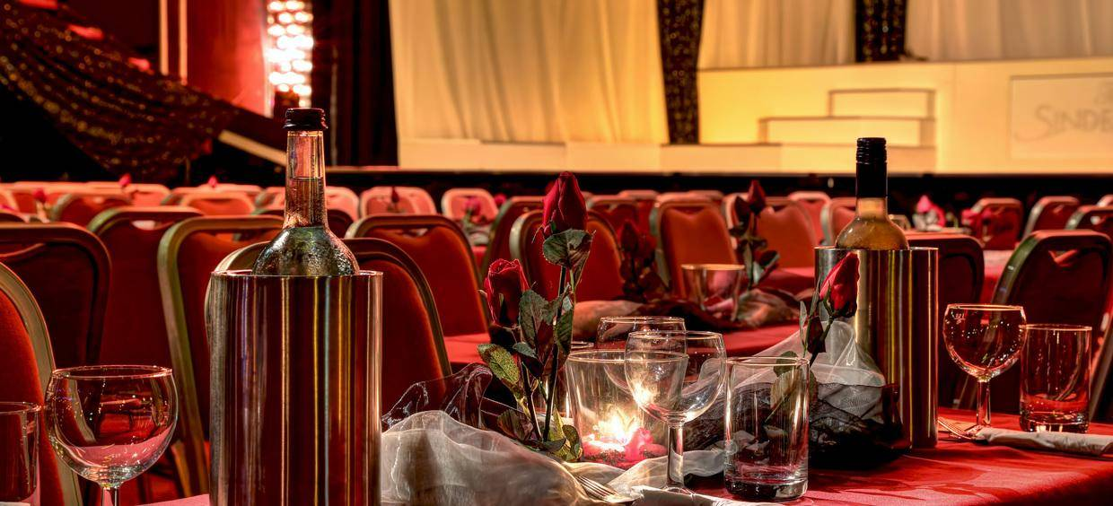 Delphi Showpalast Arrangement Romantisches Dinner